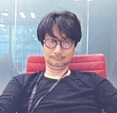 Хидео Кодзима провёл зум, и мемы уже летят.