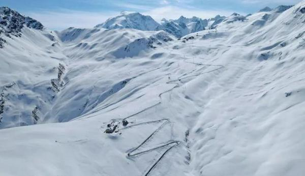 Ледники тают, и на вершинах Альп показались реликвии Первой мировой. Ещё и останки солдатов, но это к слову