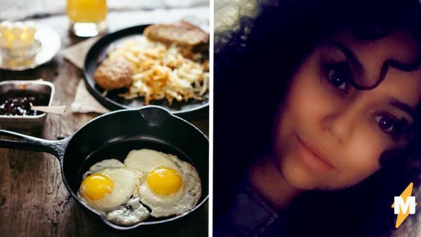 Блогерша разбила яйцо, а там сюрприз. Но настолько неприятный, что теперь она никогда станет есть глазунью