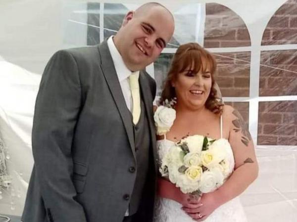 Пара думала, чем оплачивать свадьбу, но торжеству быть. Оно оплачено с того света и никакой мистики тут нет
