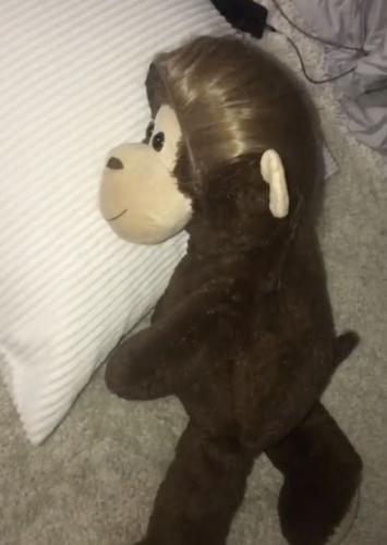 Кукла-двойник - залог спокойного сна сына, уверена мама. Но отец против - из-за её лайфхака он едва не поседел