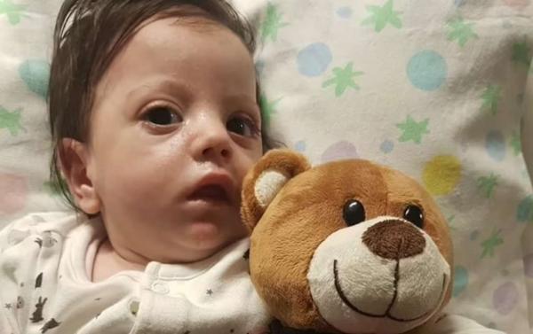 Пациентка попала в кому на 10 месяцев, а очнувшись, позвала мать. Тогда она не знала, что мама теперь она сама