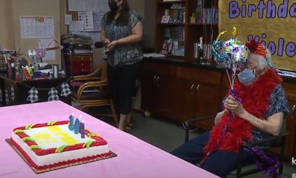 Бабуля отметила свой 104-й день рождения, и раскрыла секрет долголетия. Он придётся по вкусу всем, буквально
