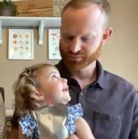 Дочь уверена, что её отец — приц Гарри. Правда, папа живёт в США и от герцога у него только внешность