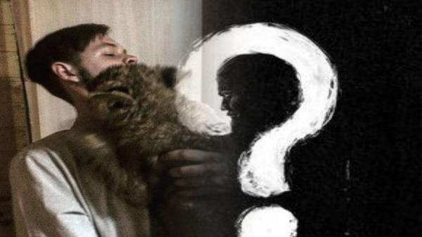 Хозяин показал свою кошку, породу которой вы угадаете по клыкам. Главный вопрос — чьё мясо она ест на ужин