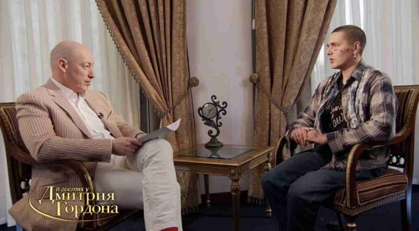 Фаны посмотрели интервью Фейса у Дмитрия Гордона и влюбились в репера. Кто же знал, что