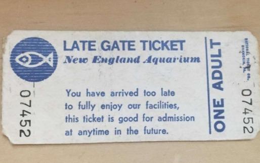 """""""Можно использовать позже"""", - буквально поняла бабуля надпись на билете. Через 38 лет по нему прошла внучка"""