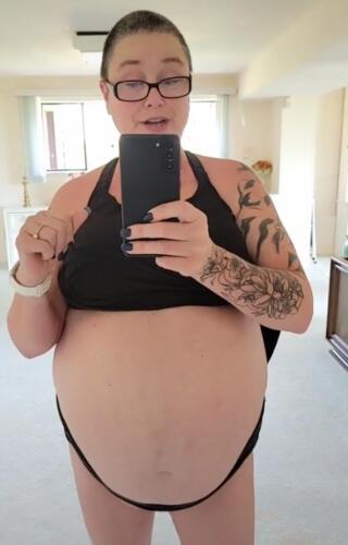 Женщина выглядит беременной, но такой её сделал алкоголь. Когда решила родить от Диониса