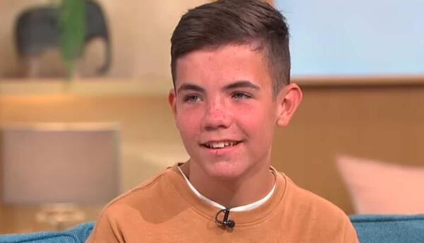 Мальчик, который снялся в клипе Гарри Стайлса, рассказал о себе. Его буллят за видео