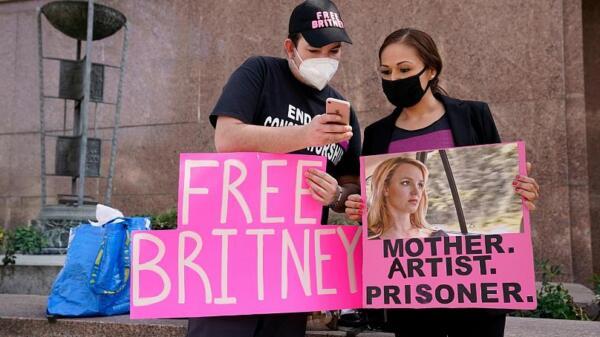 Фанат Бритни Спирс заказал 10 тысяч футболок c надписью #FreeBritney, но их сделали с ошибкой