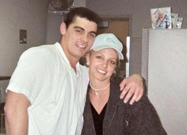 Мать Бритни Спирс заставила дочь развестись с Джейсоном Александром