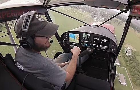Как посадить самолёт в шторм? Показал пилот на видео, и после просмотра фобия летать появится даже у смелых