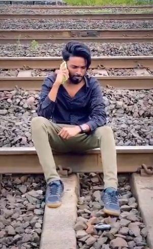 Блогер из Инди прыгнул под поезд и умер на видео ради лайков, теперь его ждёт суд