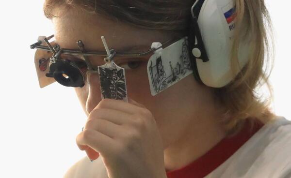 """Поклонница """"Ведьмака"""" выиграла золото по стрельбе на Олимпиаде в Токио ысош тв"""