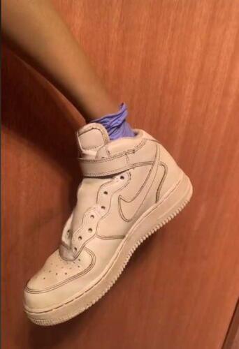 Сёстры нанесли автозагар на белые кроссовки, и доказали - загар создан не только для людей