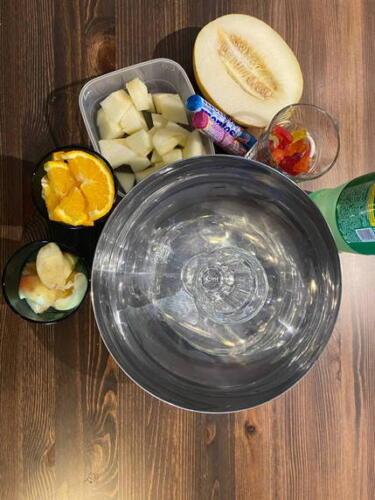 Фрукты, мармелад и фонтан из Sprite. Вкусный корейский коктейль стал трендом
