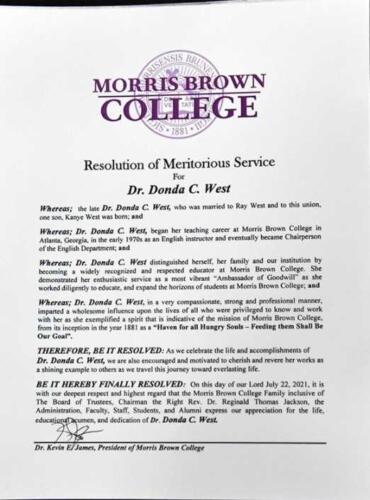 Власти Атланты официально назначили день Канье Уэста в городе