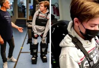 Отец собрал для сына с инвалидностью экзоскелет, позволяющий ему ходить