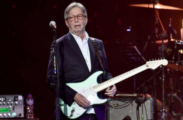 Эрик Клэптон отменил концерт из-за указа Бориса Джонсона о вакцинации