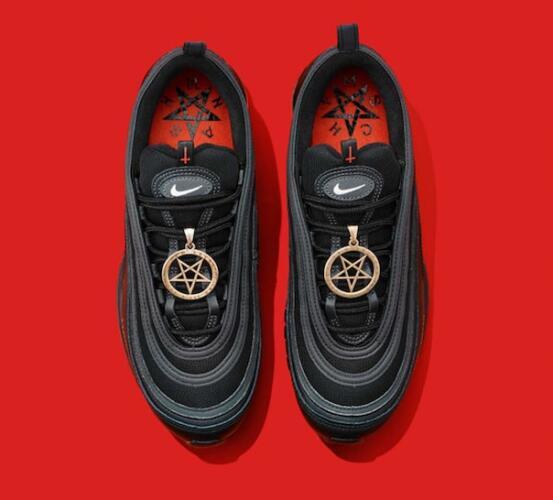 Бренд Converse получил критику из-за пентаграммы в рекламе новой коллекции кед