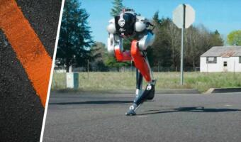 Двуногий робот впервые в истории самостоятельно пробежал пять километров