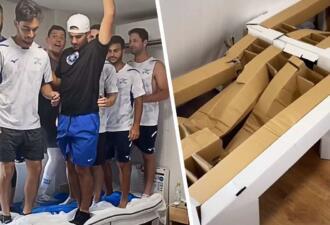 Израильские спортсмены на Олимпиаде сломали «антисекс-кровать» вдевятером