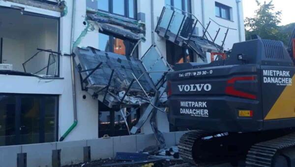 Строитель в Германии разрушил дом из-за невыплаченной заработной платы