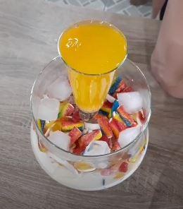 Дыня, мармелад и фонтан из Спрайта. Вкусный корейский коктейль стал трендом