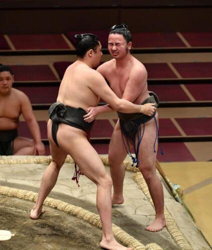 """Три победы и 288 поражений. """"Самый слабый"""" сумоист установил антирекорд и на всякий случай ушёл из спорта"""