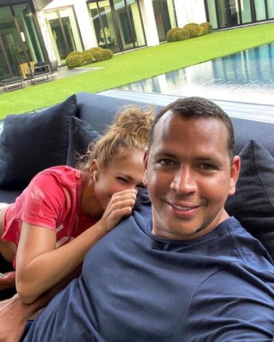 Дженнифер Лопес в день рождения Бена Аффлека отписалась от бывшего парня в инстаграме