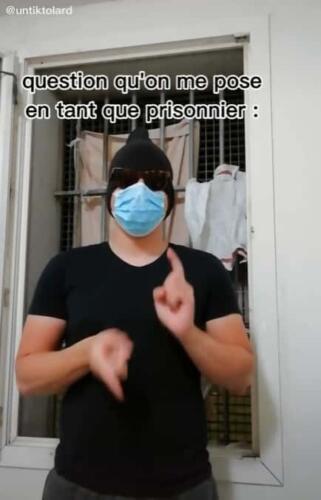 Заключённый из Франции тайно снимает кулинарный блог. В нём замена савоярди - это M&M's