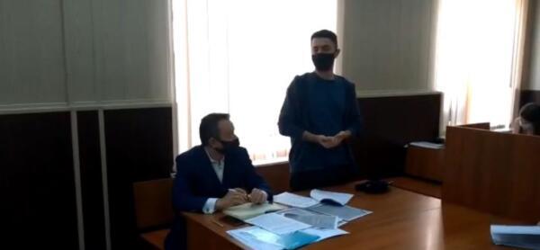 Комик Идрак Мирзализаде получил 10 суток ареста за шутку про русских