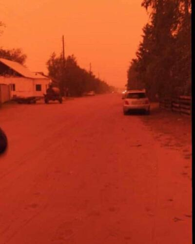 В сёлах Якутии пропало Солнце из-за дыма от пожаров, а небо окрасилось в алый цвет