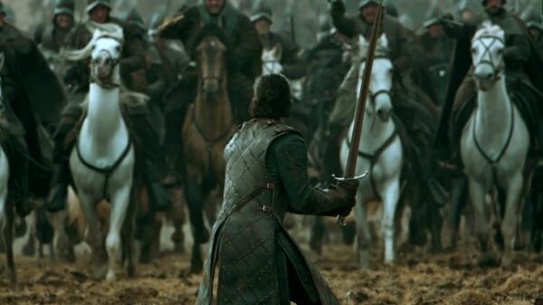 """Лена Хиди рассказала, что чувствовала себя ужасно, поливая септу Юнеллу вином в """"Игре престолов"""""""