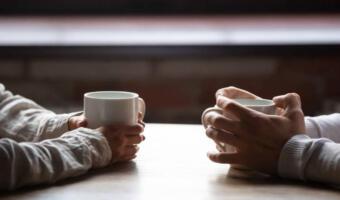 Эксперт по отношениям рассказал, что существуют семь вопросов для удачного первого свидания