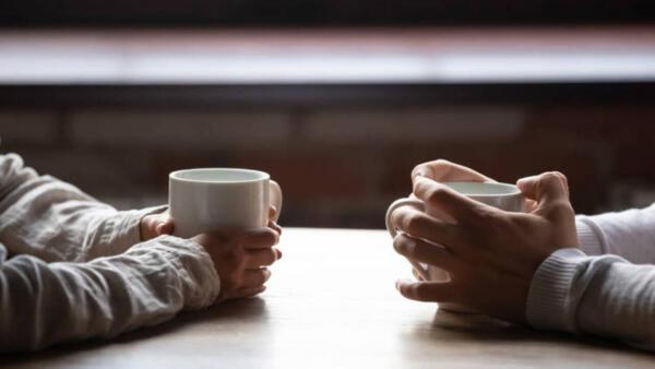 Эксперт по отношениям рассказал, что существуют вопросы для удачного первого свидания