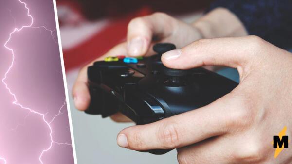 Геймер получил удар молнией через контроллер видеоигры