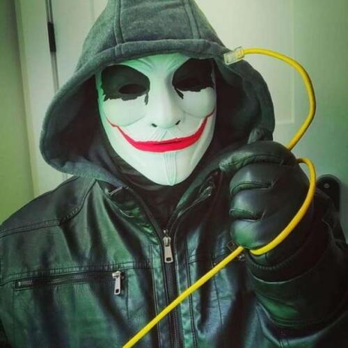 Хакеры в масках вендетты борются за кибербезопасность в тиктоке