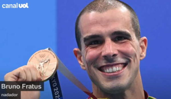 Пловец из Бразилии завоевал бронзу и повторил мем про атлета на третьем месте