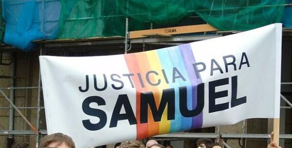 Компания Snikers в Испании извинилась за рекламу мороженого из-за обвинения в гомофобии
