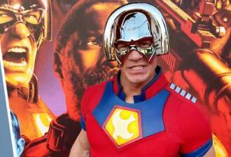 Джон Сина в костюме Миротворца пришёл на премьеру «Отряда самоубийц 2»