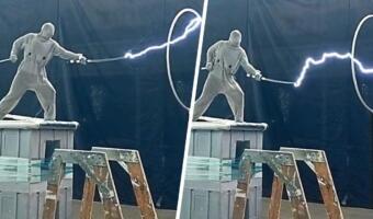 Ютубер на видео мечет молнии руками, как герой «Наруто». Суперсила блогера — знание законов физики