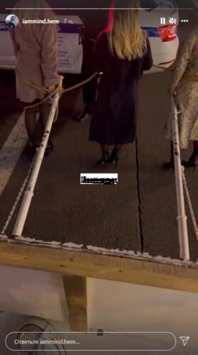 Зачем рэпер IAMMIND запряг девушек в карету как лошадей и катался по Санкт-Петербургу. Это была метафора
