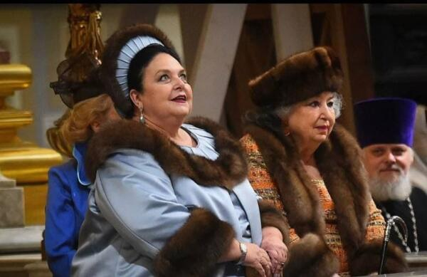 Свадьба князя Романова в пикчах превратилась в нелепое торжество. Пощады нет ни платью, ни событию