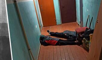 Фото одиноко спящих в подъезде детей из Балаково возмутили россиян. Виновата пьяная мать?